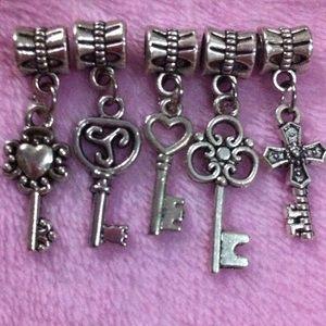 Jewelry - Lucky key chain European Silver charm set